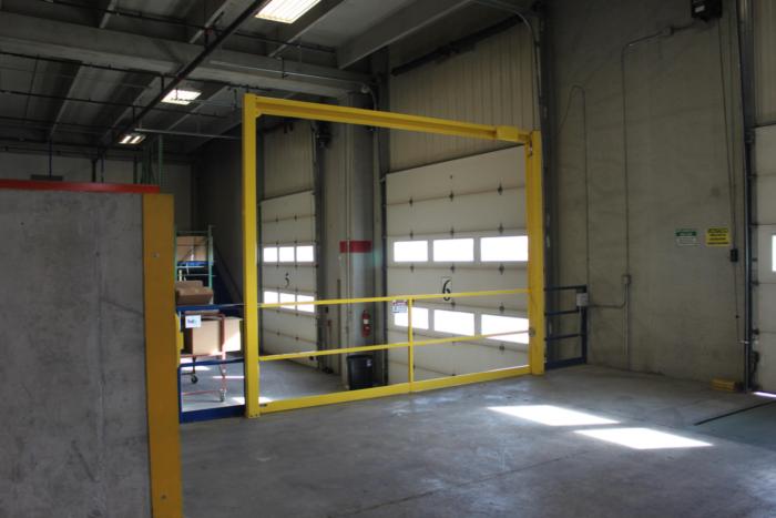 Vertical Mezzanine Safety Gate
