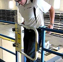 Single Self-Closing Safety Gate